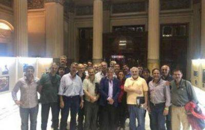 Celebración: el Colegio de Ingenieros Agrónomos ya tiene su Ley, la 15.030