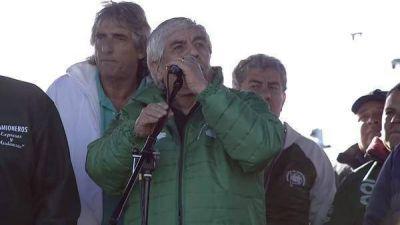Moyano tensó la cuerda de la CGT y aceleró una convocatoria del Gobierno