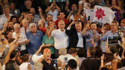 Dividido y sin la presencia de los gobernadores, el PJ realiza el Congreso Nacional para legitimar la conducción de José Luis Gioja