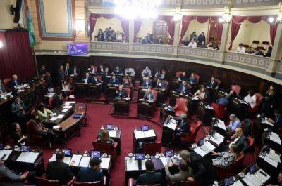 El Senado convirtió en ley la reducción de impuestos en las tarifas de luz y agua