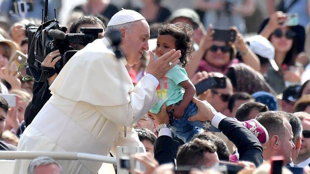 El Papa: la fe no llega por correo, hay que volver a las raíces