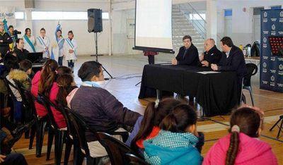 """Arroyo: """"Los problemas de la sociedad se solucionan con educación y honradez"""""""