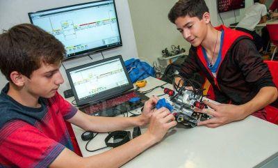 Convocan a las escuelas a una olimpíada de robótica