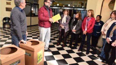 """Javier Gastón presentó el programa de clasificación de residuos """"Empecemos por casa"""""""