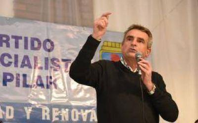 La Plata, San Miguel y Pilar, la recorrida de Agustín Rossi , que quiere ser candidato