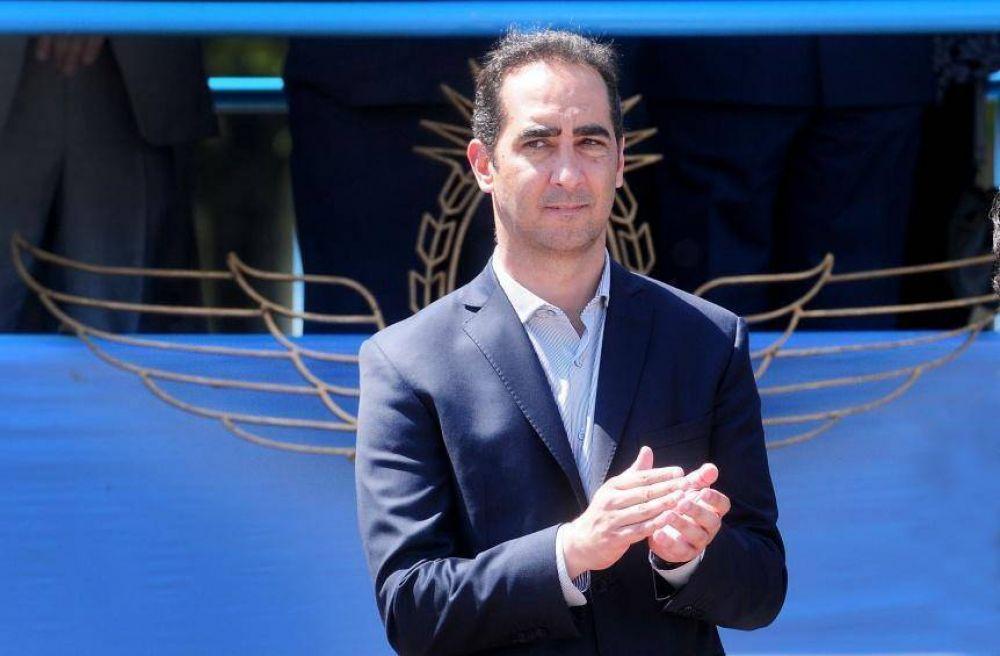 Un intendente Pro se cruzó con D'Elía: lo invitó a no ser golpista