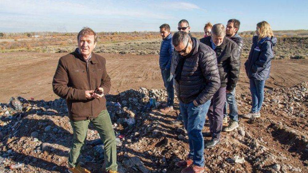 Empiezan a mandar basura a Neuquén, como prueba