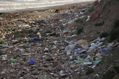 Argentina es uno de los países que más residuos plásticos tiran al mar