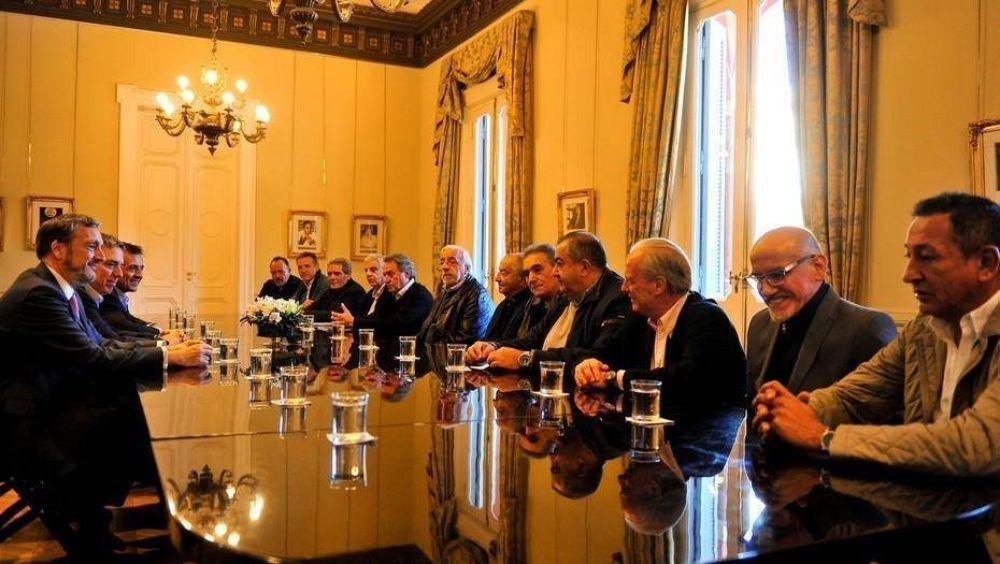 CGT: el Gobierno analiza que el aguinaldo no pague Ganancias