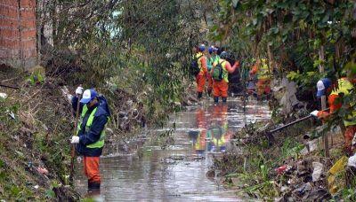 El lunes y el martes habrá cuadrillas limpiando tres kilómetros del Arroyo Regimiento