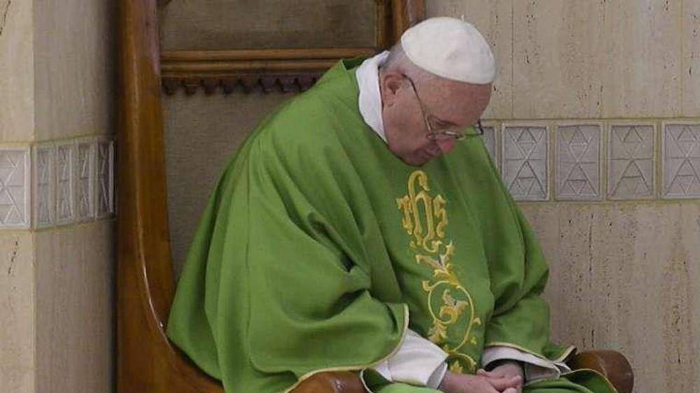 """El Papa: """"Cristianos al servicio de los demás sin ningún mérito, como sal y luz"""""""