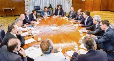 Ahora ajuste en ministerios se posterga para 2019