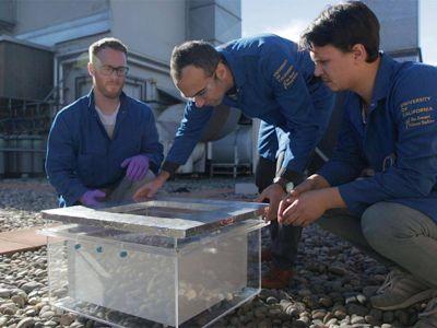 Lograron extraer agua potable del aire en un desierto