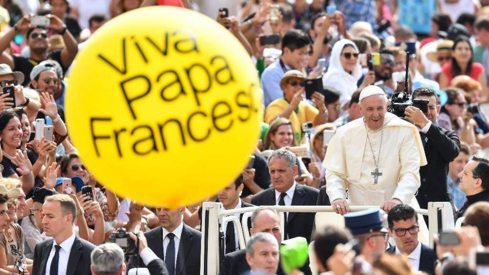 El Papa pide jóvenes hambrientos de vida; el enemigo es la mediocridad