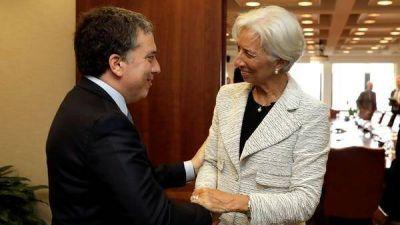 El Gobierno fijará la meta cambiaria hasta que lleguen los dólares del primer desembolso del FMI