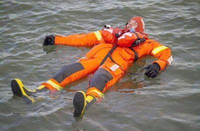 """Marplatense afirma que diseñó """"el mejor traje de inmersión del mundo"""""""
