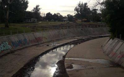 Una obra hidráulica en Villa Elisa, entorpecida por amenazas y saboteos