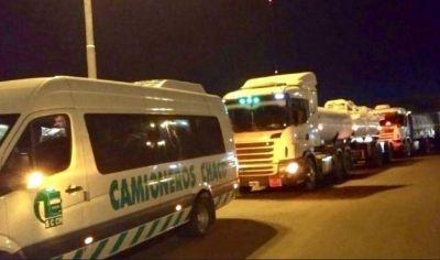 Sin cortes ni piquetes, 200 mil camioneros paralizaban el transporte de carga