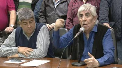 El Gobierno impulsa dos multas multimillonarias a Camioneros por el paro