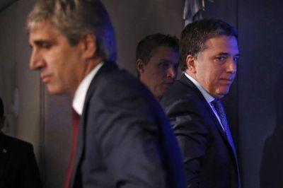 Tras la salida de Sturzenegger, Macri evalúa más cambios para fortalecer a Dujovne