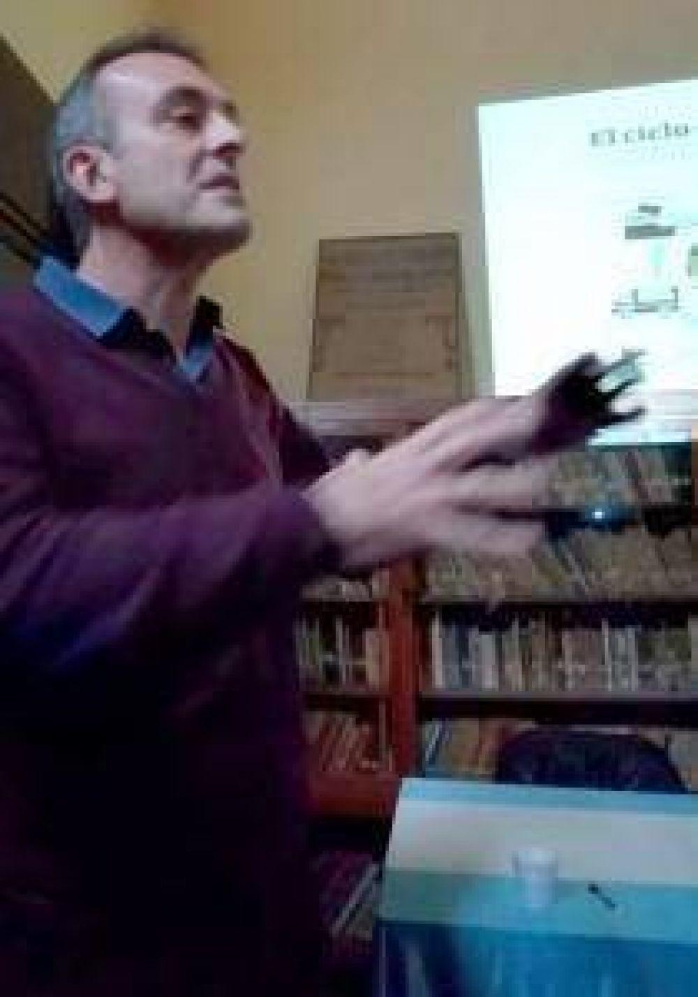HABLAR DE BASURALES: Charla sobre el tema Basural a Cielo Abierto, en la biblioteca Lintridis