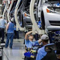 Sindicato de mecánicos declara el alerta por las importaciones de autos