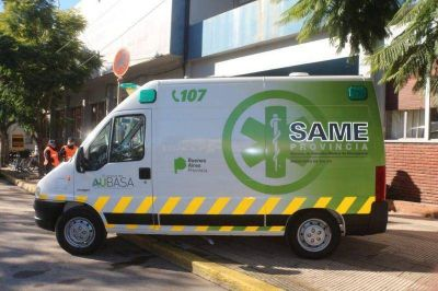 Entregan ambulancias a municipios para asistencia en sus rutas