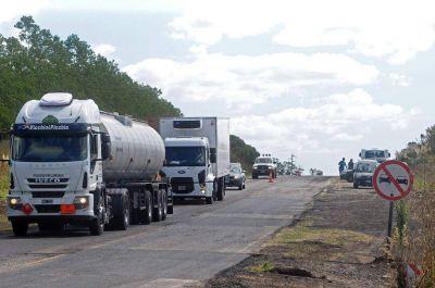 Impuestos y peajes jaquean al transporte de cargas local