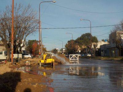 Un caño roto de ABSA dejó a cuatro barrios sin agua