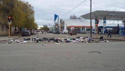 Basura y daños en marcha de municipales