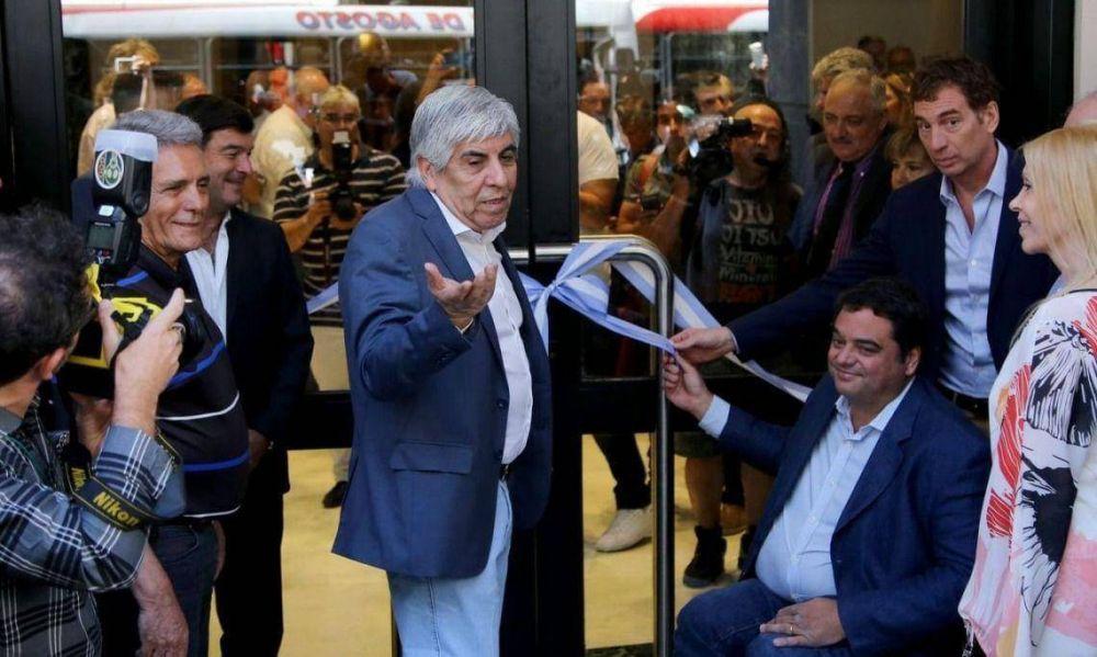 Moyano, Macri y un pacto de socorros mutuos que desinfla el paro de la CGT