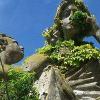 Funcionario bocón, problemas en el cementerio y Marinier otra vez en la mira (de todos)