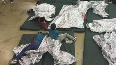 El Papa sobre los migrantes en Estados Unidos: inmoral separar a niños de sus padres