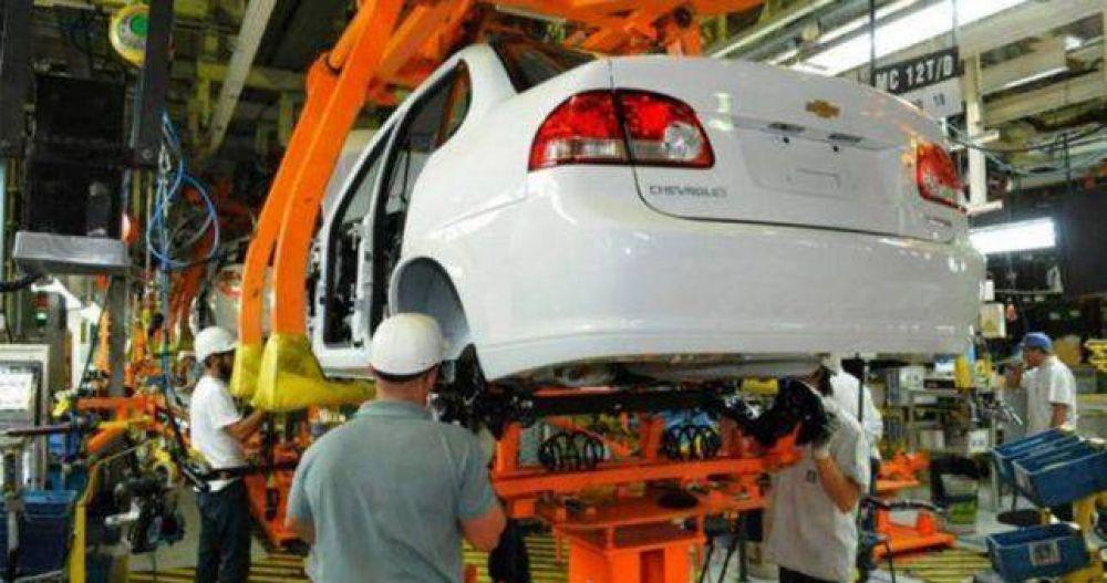 Suspensiones masivas, retiros voluntarios y temor por el futuro de General Motors