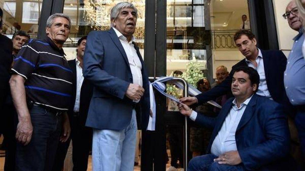 El Gobierno intimará a Hugo Moyano para que rectifique el anuncio sobre las paritarias de Camioneros