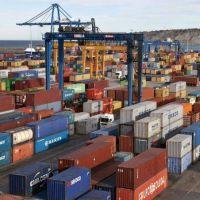 El déficit comercial ascendió a 1.285 millones de dólares, el más alto del año