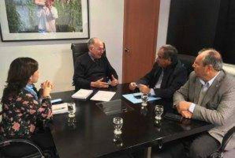 Legisladores gestionan obras hídricas para La Rioja