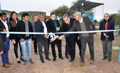 El gobernador inauguró planta potabilizadora de agua