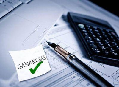 Contadores porteños presentan un nuevo pedido de prórroga para pagar Ganancias y Bienes Personales