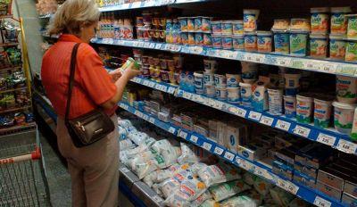 Productos de la canasta básica aumentaron un 13%, por la devaluación del peso