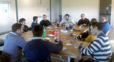 Una empresa de ingeniería visitó la Escuela de Tecnología de la UNNOBA