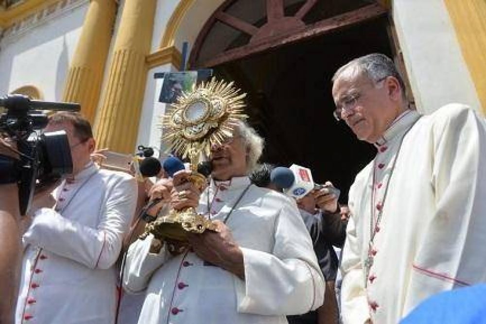 El Papa se encuentra con dos obispos de Nicaragua, al borde de la guerra civil