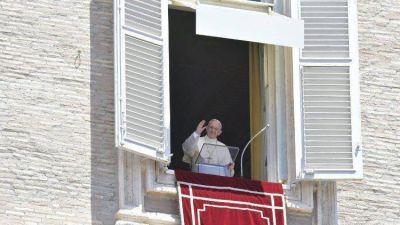 Papa en el Ángelus: no somos cristianos por mérito propio, sino de Dios