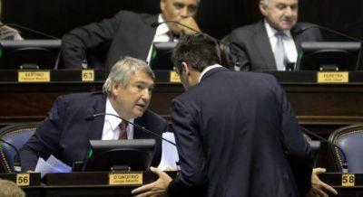 Massa incomoda a Vidal con un proyecto para separar las elecciones de los intendentes