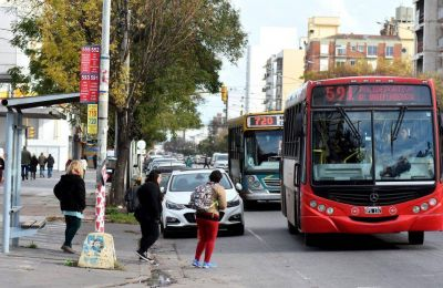 Las empresas de transporte doblan la apuesta y piden un boleto a casi $15