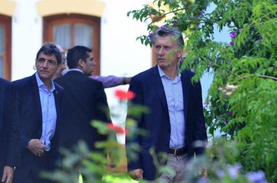 Exclusivo: El paquete de medidas que Macri negocia con el peronismo