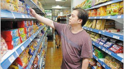 Las ventas minoristas cayeron 4,2% en junio por la incertidumbre cambiaria