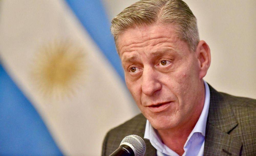 El gobierno de Chubut dará aumento por decreto a los docentes