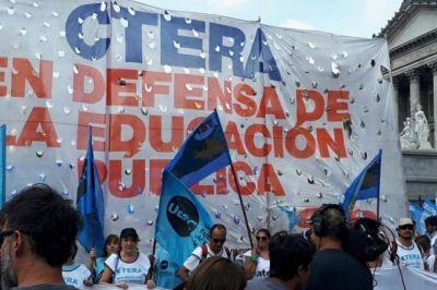 Comenzó el paro nacional convocado por CTERA: movilizan del Congreso al Ministerio de Educación