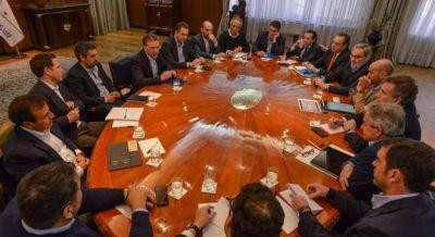 Macri concentra el poder en Dujovne y se decide a hacer el ajuste sin el peronismo